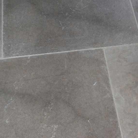 Arnave Gris Tumbled Limestone Tile