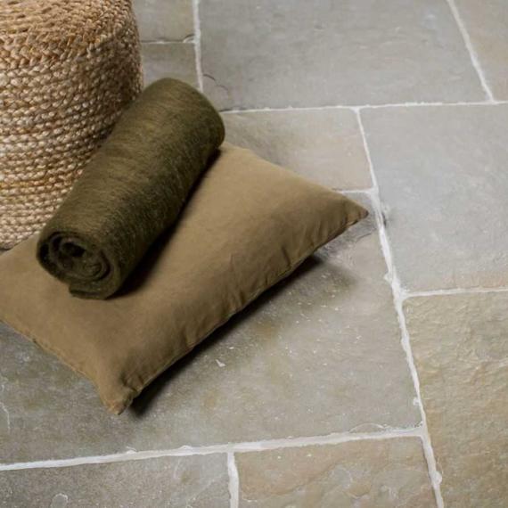 JAIPUR HERITAGE Tumbled Limestone Tile